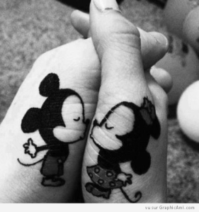 bisous-mains-mickey-minnie